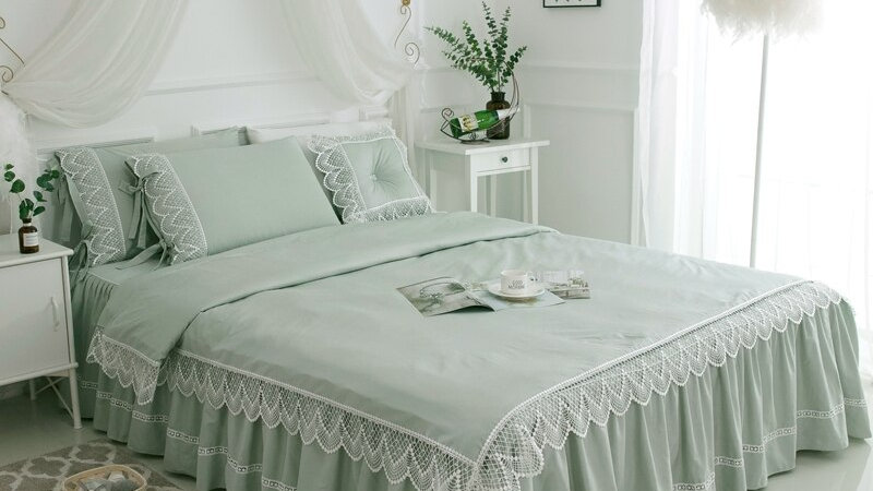 4/7 PC Luxury Ruffle Lace Bedding Set with Pillow Shams