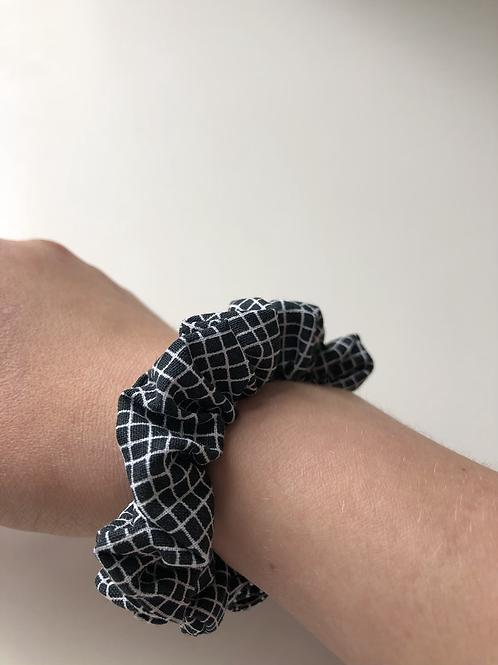 Checkered hair tie