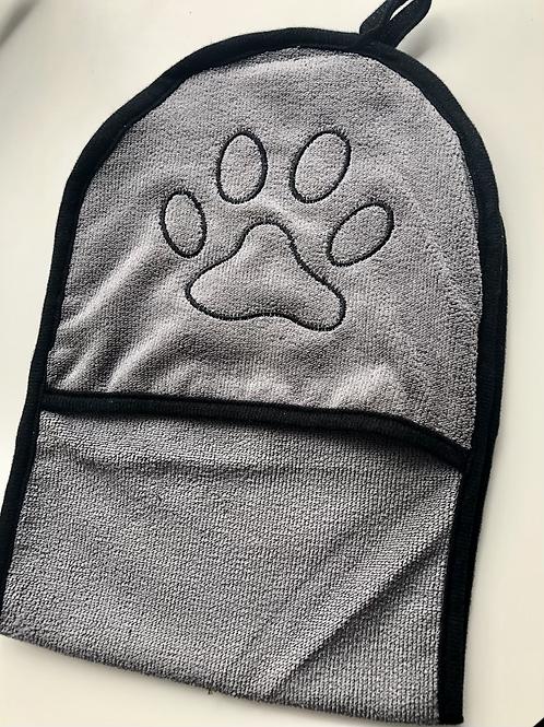 Grey drying mittens