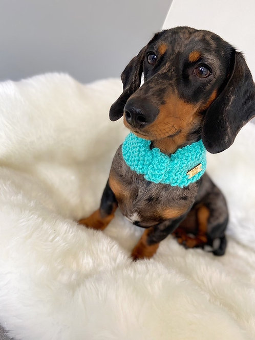 Pastel teal bunched snood
