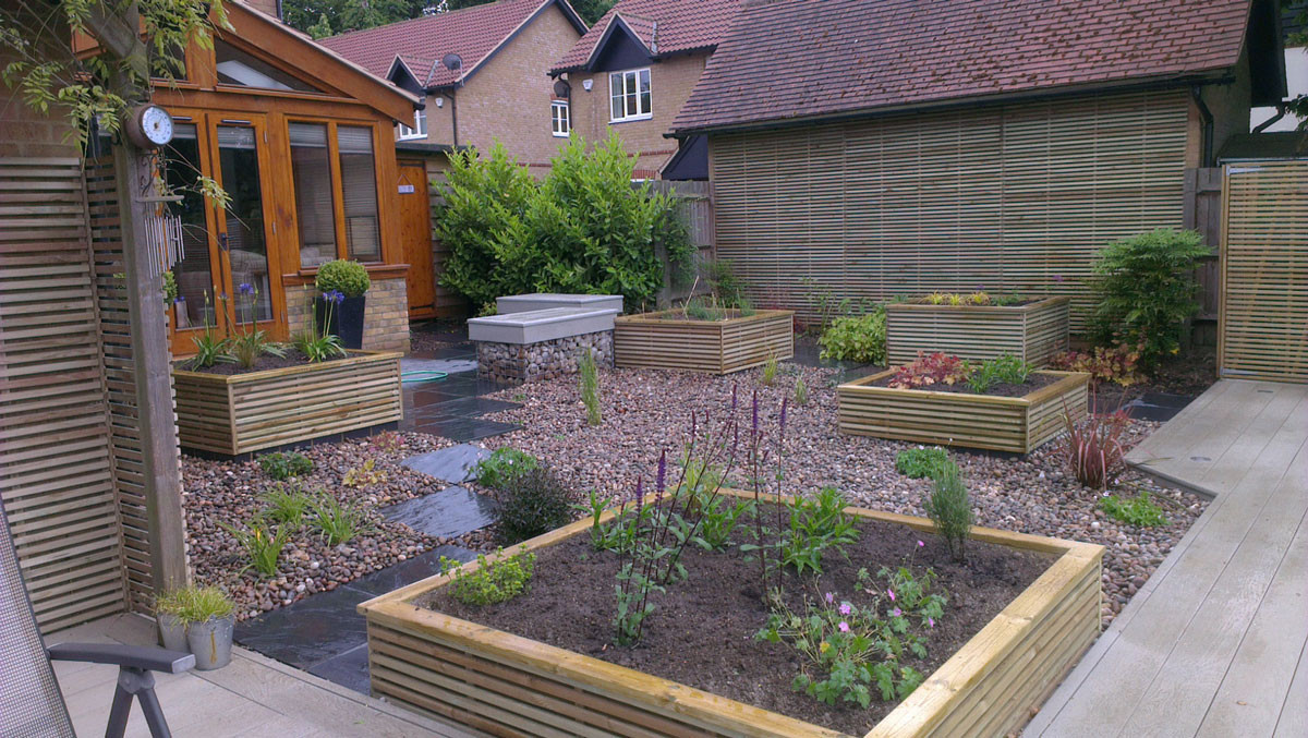 Small-garden-big-view-2-quercus-garden-d