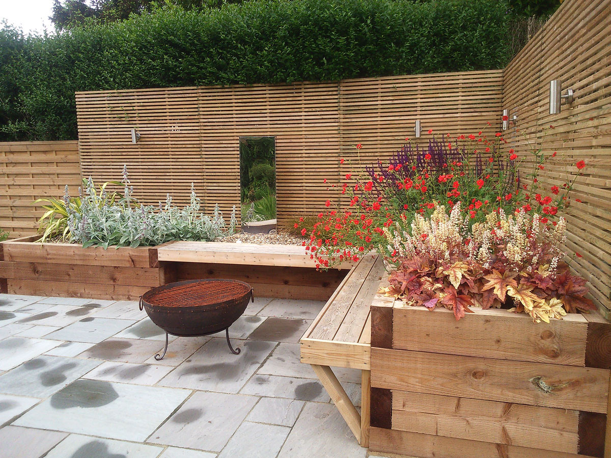 Planting-3-sleeper-bed-planting-quercus-