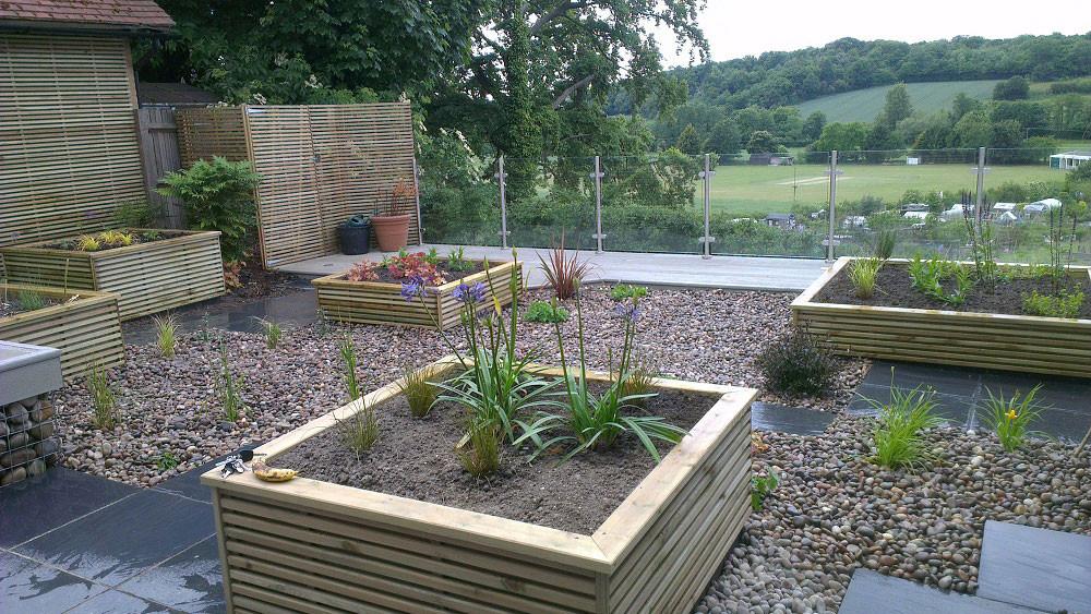 Small-garden-big-view-1-quercus-garden-d