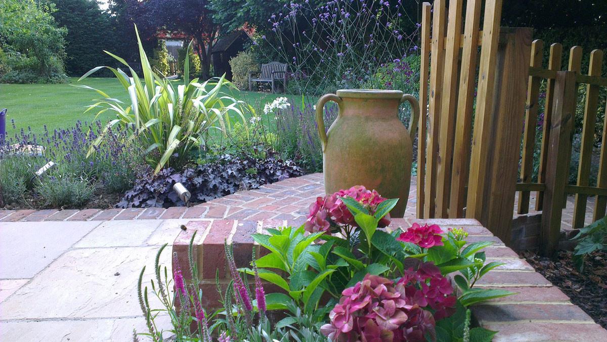 Stansted-country-garden-3-quercus-garden