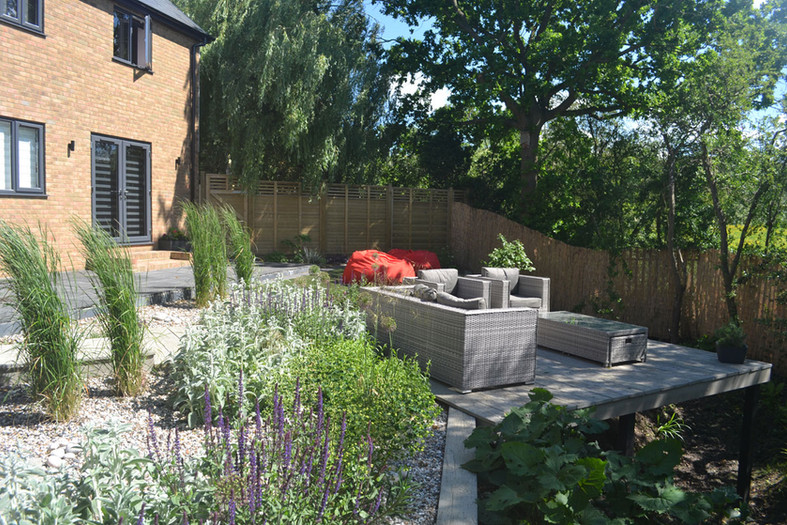 Composite-deck-garden-8-quercus-garden-d