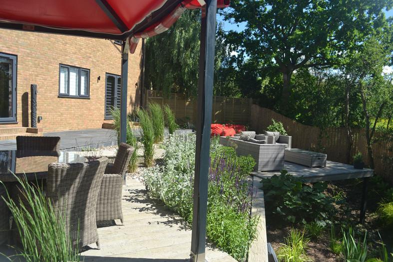 Composite-deck-garden-9-quercus-garden-d