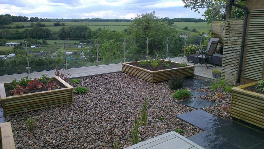 Small-garden-big-view-3-glass-balustrade