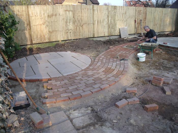 Modern-cottage-garden-15-during-build-qu