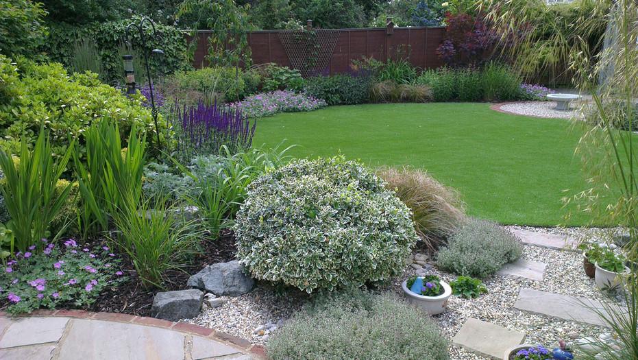 Modern-cottage-garden-1-quercus-garden-d