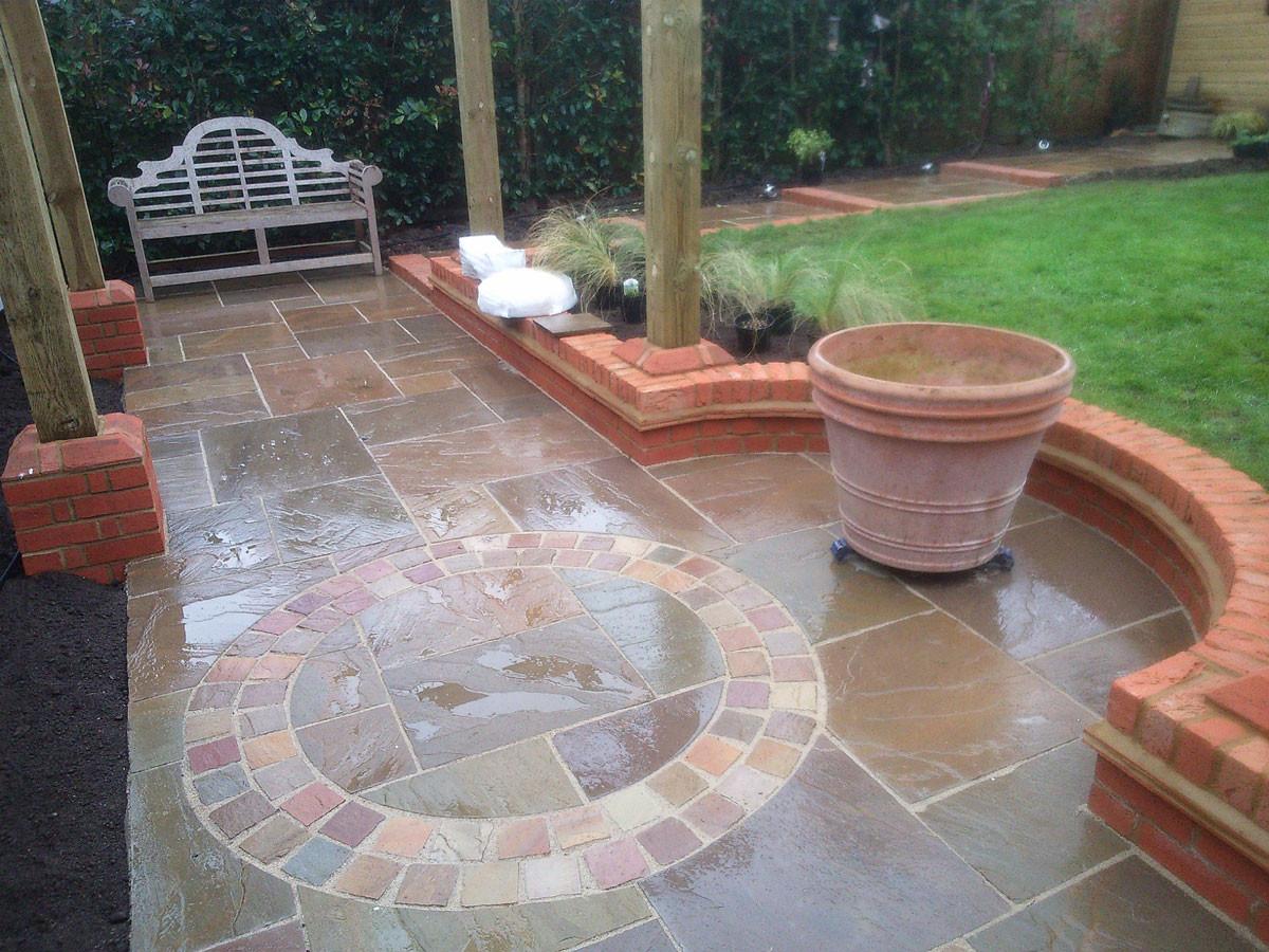Pergola-garden-sandstone-circle-quercus-