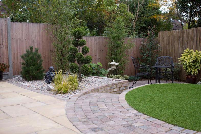 Contemporary-oriental-garden-1-quercus-g