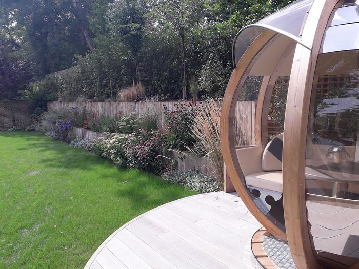 Entertaining-garden-pod-3-quercus-garden