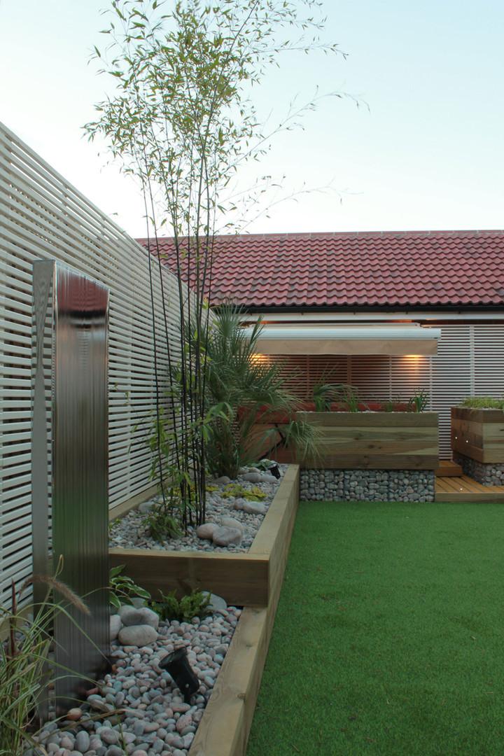 Low-maintenance-garden-7-quercus-garden-