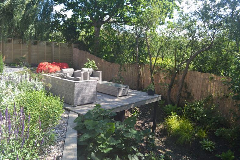 Composite-deck-garden-3-quercus-garden-d
