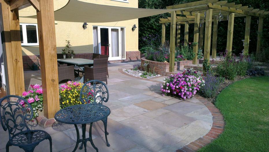 Stansted-country-garden-1-quercus-garden