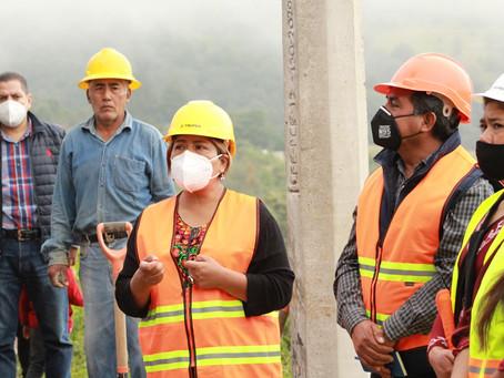 """Inicio de obra pública """"Ampliación de red eléctrica"""" en Cabecera Municipal"""