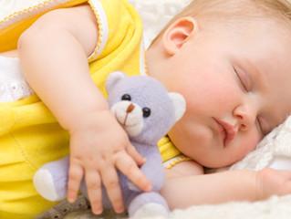 Dormir faz bem para o bebê e para os pais