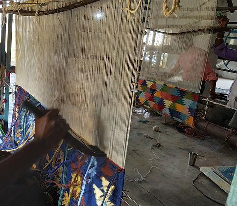 Handloom_Weaving_Pic3_edited.jpg