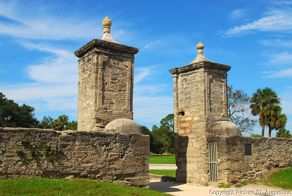 city-gates-St-Augustine-Florida