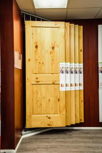 door-display-stand
