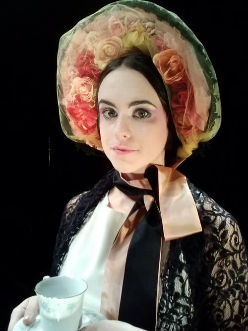 Alice In Bed, Bonnet