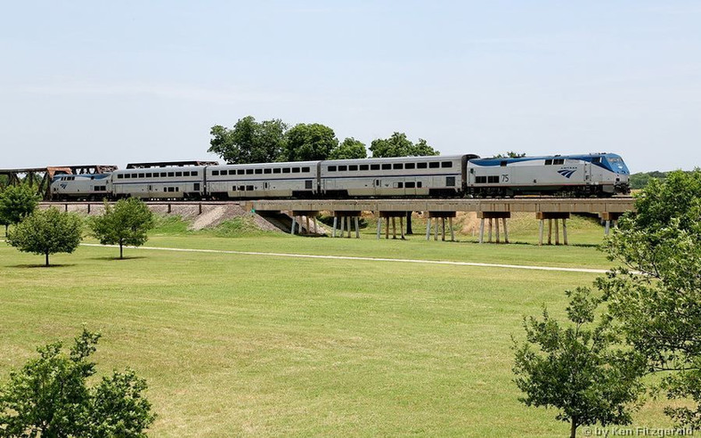 Amtrak 0075 South train 821 at Fort Wort