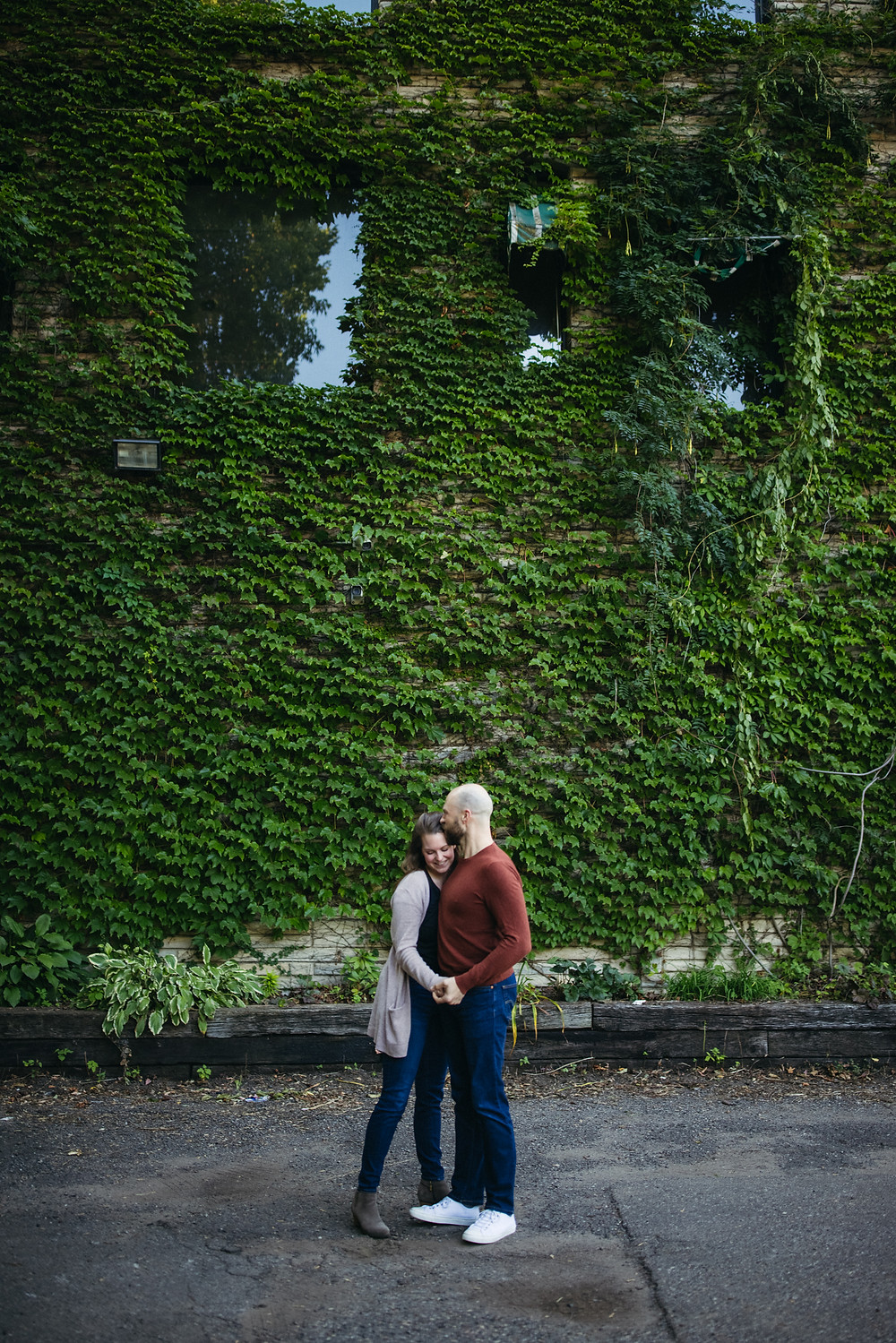 Engagement and wedding photographer St.Paul MN