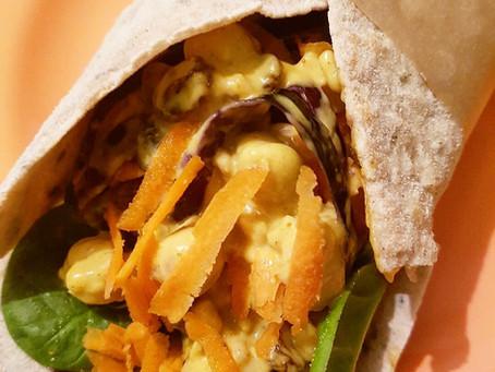Wrap med curryröra på kikärtor, cashew & russin