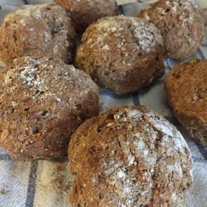 Mumsiga frallor med teff, bovete, chia & solrosfrön (glutenfria & mjölkfria)