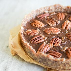 Raw paj med pekannöt & chokladkola
