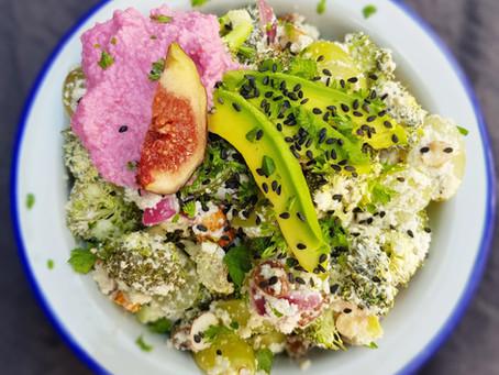 Raw broccolisallad med cashewdressing