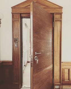 Anti Bandit door