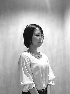 辻_モノクロ背景あり_01.jpg