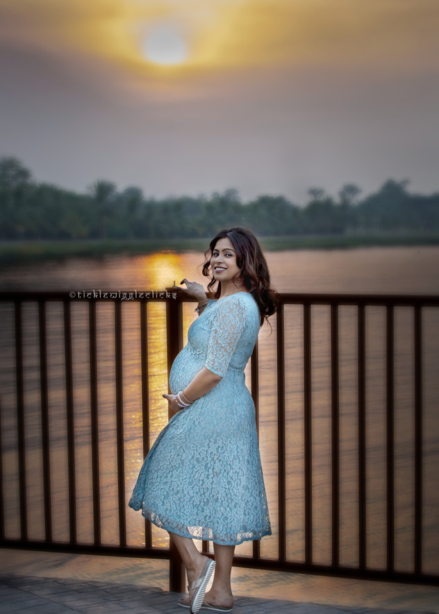 Tickle Wiggle Clicks : Maternity Photographer India