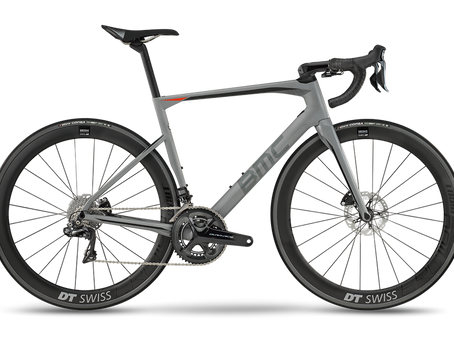 "VÖLLIG NEUE BMC ROADMACHINE: DIE ""ONE BIKE COLLECTION"" - NEU IMAGINIERT"