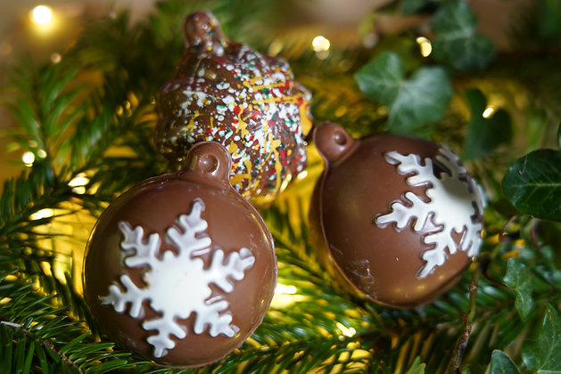 Christmas Baubles Gift Box - Milk Chocolate