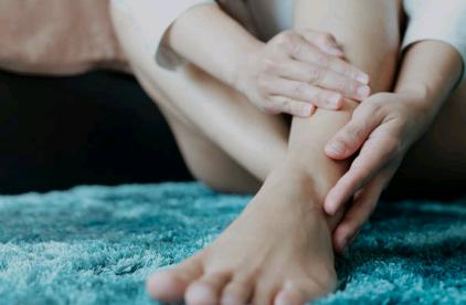 Utilisation de l'huile de massage anti entorse