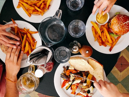 10 Tricks to Eating Out Healthy