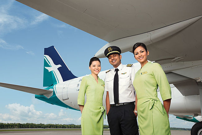 800px-Silk_Air_flight_and_cabin_crew.jpg