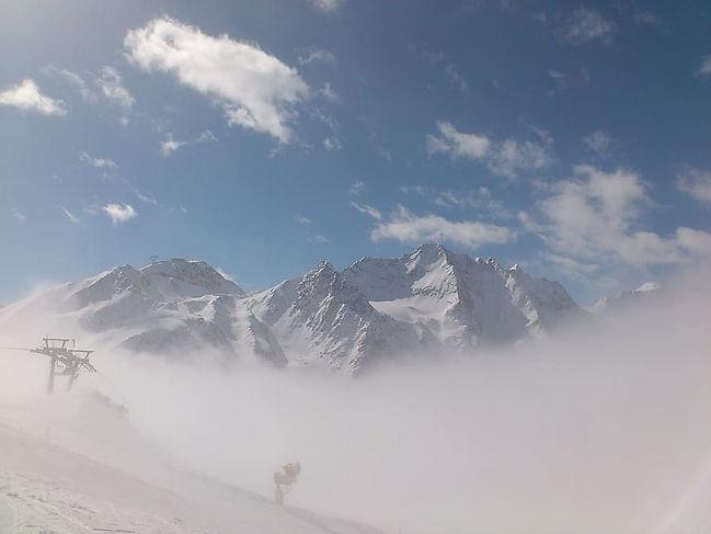 winter-winter-sports-sölden-glacier.jpeg