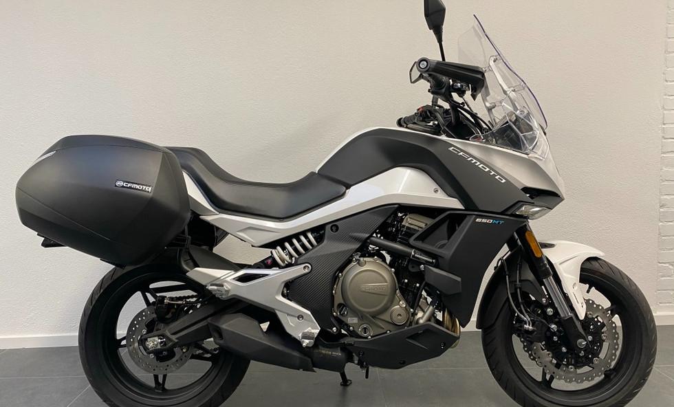 CF Moto MT 650 White