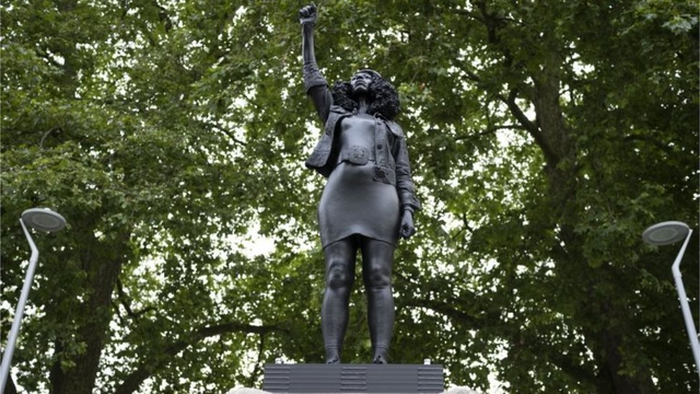 Jen Reid statue in Black Live's Matter movement, Bristol 2020