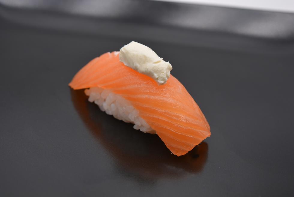 sushi samon cheese.png