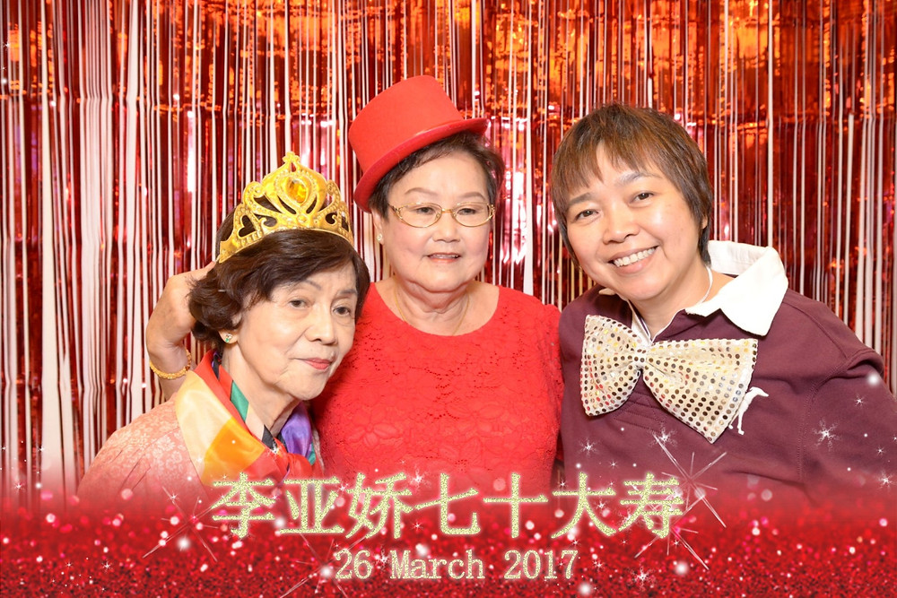 Affordable family photo booth