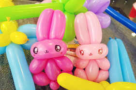 Bunny rabbit balloon animal