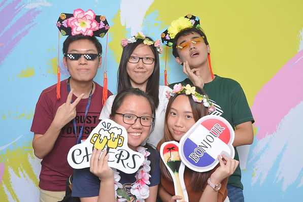 Engaged your guests with photo booth