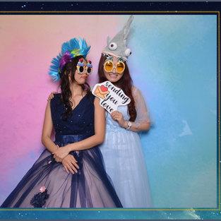 wedding photo booth rainbow