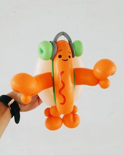 snapchat hot dog balloon sculpting