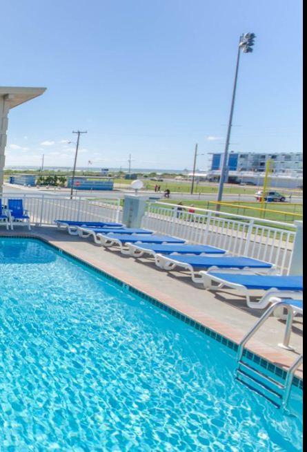 Ocean View Pool & Sundeck