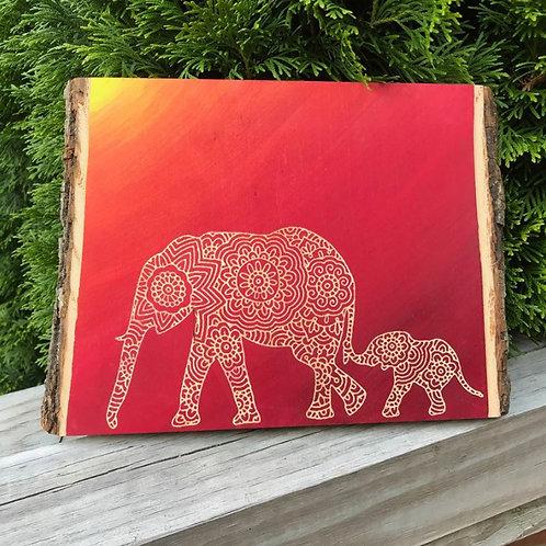 Live Edge Mandala Mama And Baby Elephant Engraving